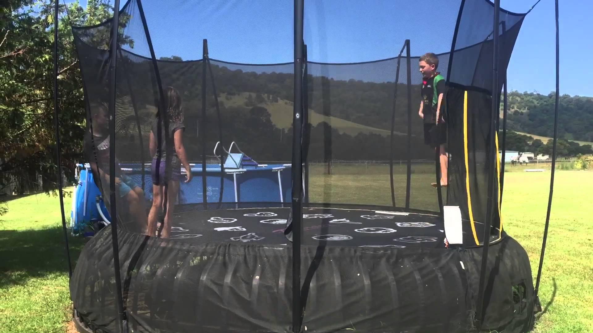 Front flip trampoline
